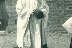 1_4_Fr.-Hymas-Vicar-od-St-Andrews